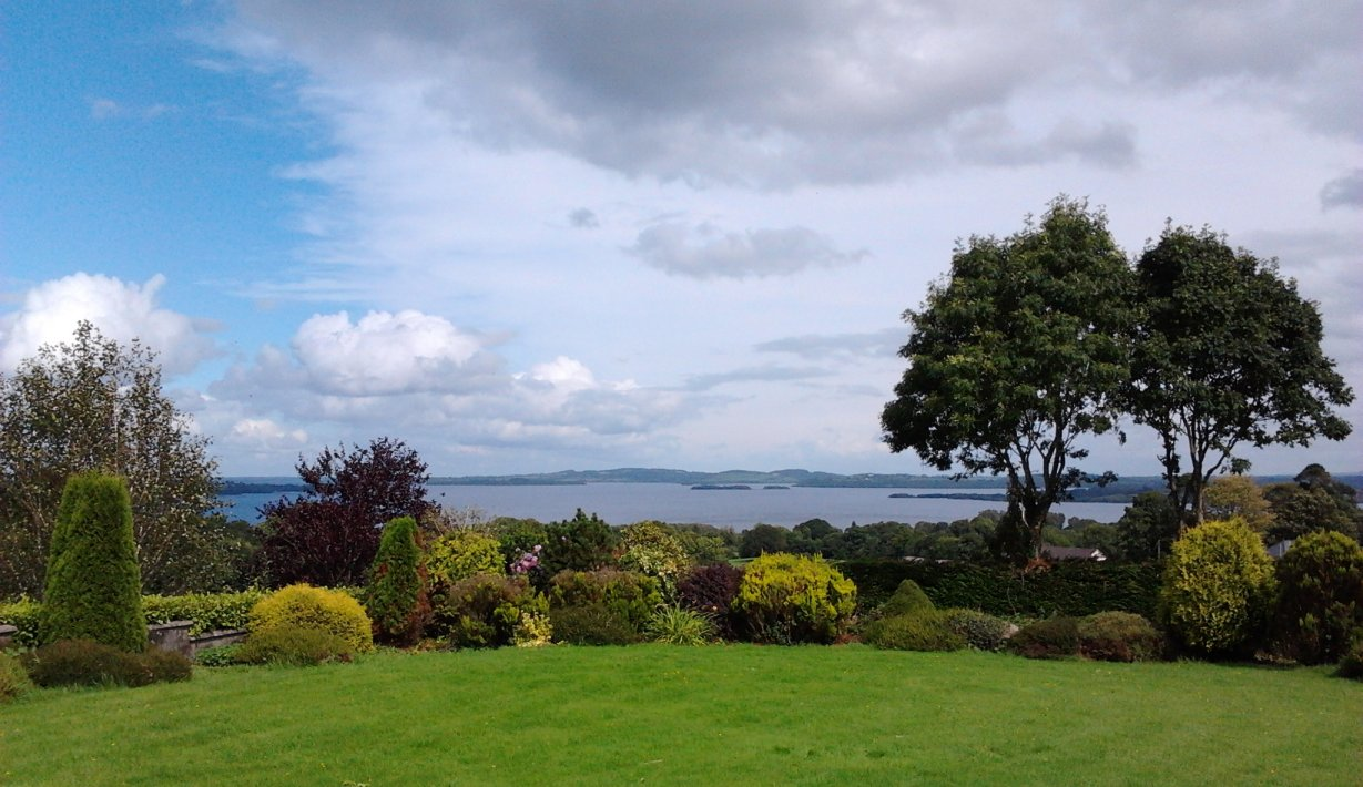 Marie's Paradise Bed & Breakfast Lough Derg