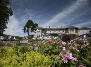 lakeside_hotel